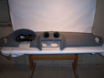 USED GREY DASH PAD FOR 06-11 MERCEDES ML350 W164 WITH AIR BAG-NO VENTS in Naperville, Illinois