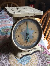 Vintage baby scale in Glendale Heights, Illinois