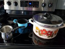 Pot /  Kitchen stuff in Fort Campbell, Kentucky
