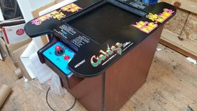 Mrs Pac Man style cocktail arcade with 60 games and warranty. in Schaumburg, Illinois