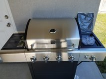 Kenmore 5 burner grill in Vacaville, California