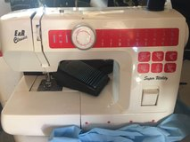 220v sewing machice in Ramstein, Germany