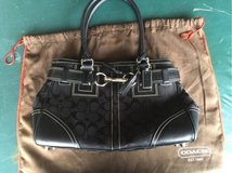 Coach purse. Like new in Lockport, Illinois