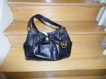 Authentic Michael Kors handbag in Fort Belvoir, Virginia