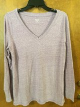 Light Lavander V Neck long sleeve pull over top  (XL/TG) in Naperville, Illinois