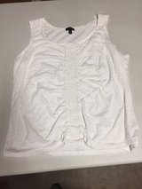 White Sleeveless top - (2XP) in Glendale Heights, Illinois