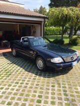 98 Mercedes Benz SL320 in Vicenza, Italy