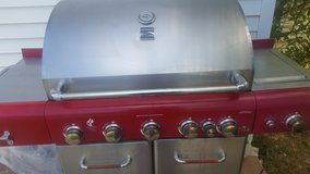 Kenmore propane five burner grill in Lawton, Oklahoma