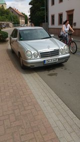 Very nice 98 Automatic Mercedes E 240 in Baumholder, GE