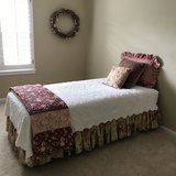 7 Piece, TWIN Bedding Set in The Woodlands, Texas