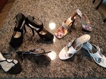 Shoes size 8 in Naperville, Illinois