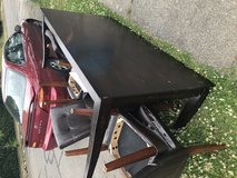 FREE table and chairs in Tacoma, Washington