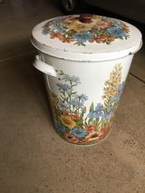 30 gal. decorative trash can in Plainfield, Illinois