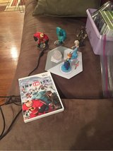 Infinity game Wii plus 6 pieces (5 characters) in Bolingbrook, Illinois