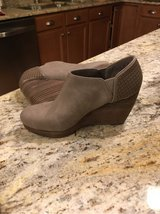 Dr Scholl's Harlow Taupe size 8.5 in Naperville, Illinois