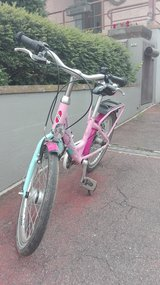 Girl's Bike!  (Ages 6-9) in Stuttgart, GE