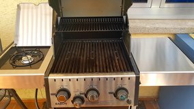 Broil King Baron 340 gas grill (almost new) in Ramstein, Germany