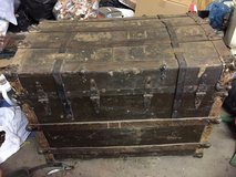 ANTIQUE TRAVELING TRUNK in Fort Knox, Kentucky