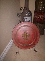 Red Plate Decor in Kingwood, Texas