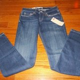 CLEARANCE ***BRAND NEW***Ladies Skinny Fit LEVIS***SZ 1 in Cleveland, Texas