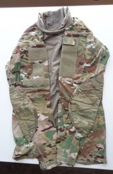 (4) USGI OCP Massif Extra-Small Multicam Army Combat Shirt ACS Flame Resistant in Fort Leonard Wood, Missouri