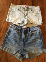 CLEARANCE ***2 ABERCROMBIE & FITCH Denim Shorts***SZ 25 in Cleveland, Texas