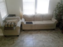 Sofa with pull out mattres in Travis AFB, California