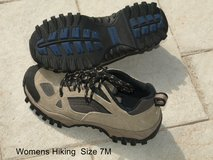 WOMEN'S HIKING SHOES 7M in Warner Robins, Georgia