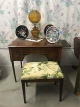 Dressing table with bench in Camp Lejeune, North Carolina