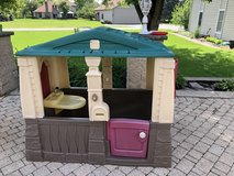 Kids play house in Glendale Heights, Illinois
