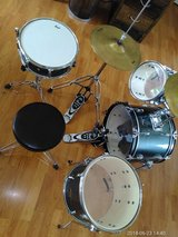 Pearl Drum set in Fort Campbell, Kentucky
