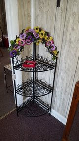 Metal plant stand in Perry, Georgia