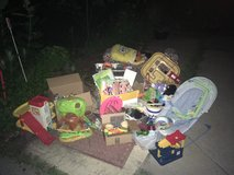 Free stuff at end of driveway in Chicago, Illinois