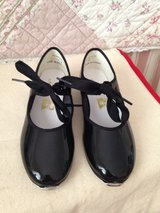 New Black Tap Shoes Size 1 in Warner Robins, Georgia