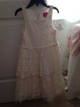 Ivory Lace Dress Size 6x in Warner Robins, Georgia
