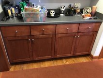 Birch front kitchen cabinets & counter tops, used in Shorewood, Illinois