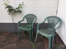 Green Lawn Chairs in Wiesbaden, GE