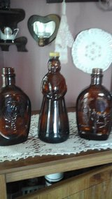 (3) Vintage Bottles Aunt  Jemima  & Log Cabin in Westmont, Illinois