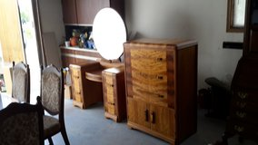 For sale antique dressing table in Fort Leonard Wood, Missouri