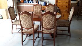 For sale dining set in Fort Leonard Wood, Missouri