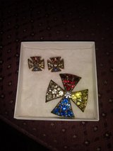 Vintage Clip Earrings and Brooch Pin Set in Bolling AFB, DC
