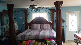 4 Piece King-Size Bedroom Set with Canopy & Pillars in Fort Bragg, North Carolina