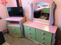 Girls dresser set in New Lenox, Illinois