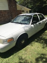 2007 Ford Crown Victoria in Leesville, Louisiana