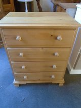 Solid pine chest of 4 drawers in Lakenheath, UK
