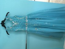 Gown size 8 in Hemet, California