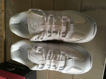 Chasse cheer shoes siz 7 1/2 in Hemet, California