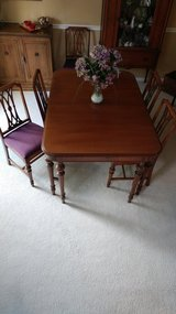 Vintage Antique dining table set REDUCED! in Glendale Heights, Illinois