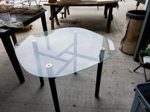 Table - glass, round in Cleveland, Texas