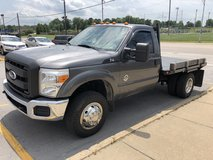 2011 FORD F350 4X4 FLATBED in Fort Leonard Wood, Missouri